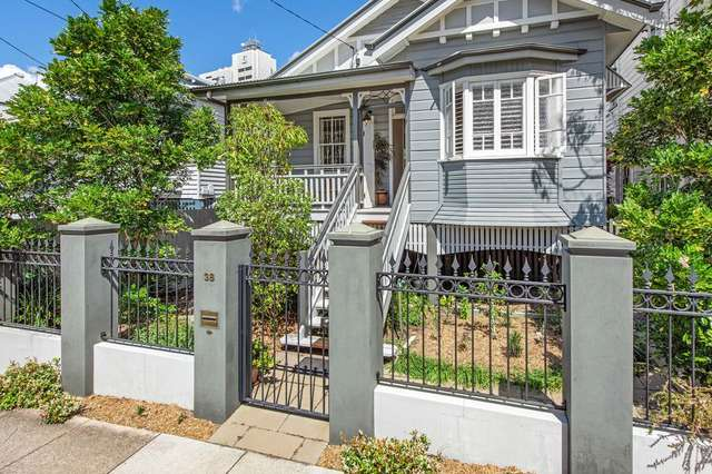 38 Lockerbie Street, Kangaroo Point QLD 4169