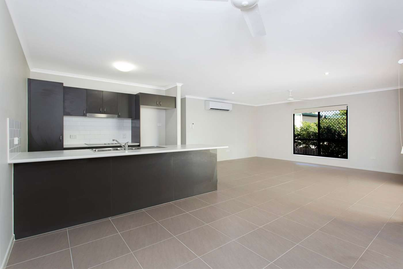 Fifth view of Homely house listing, 2/38 Ahearne Street, Hermit Park QLD 4812