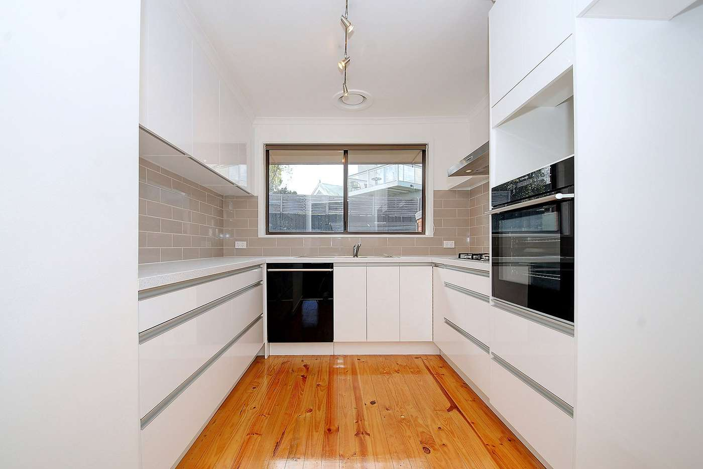 Main view of Homely unit listing, 2/11 Grenfell Road, Mount Waverley VIC 3149