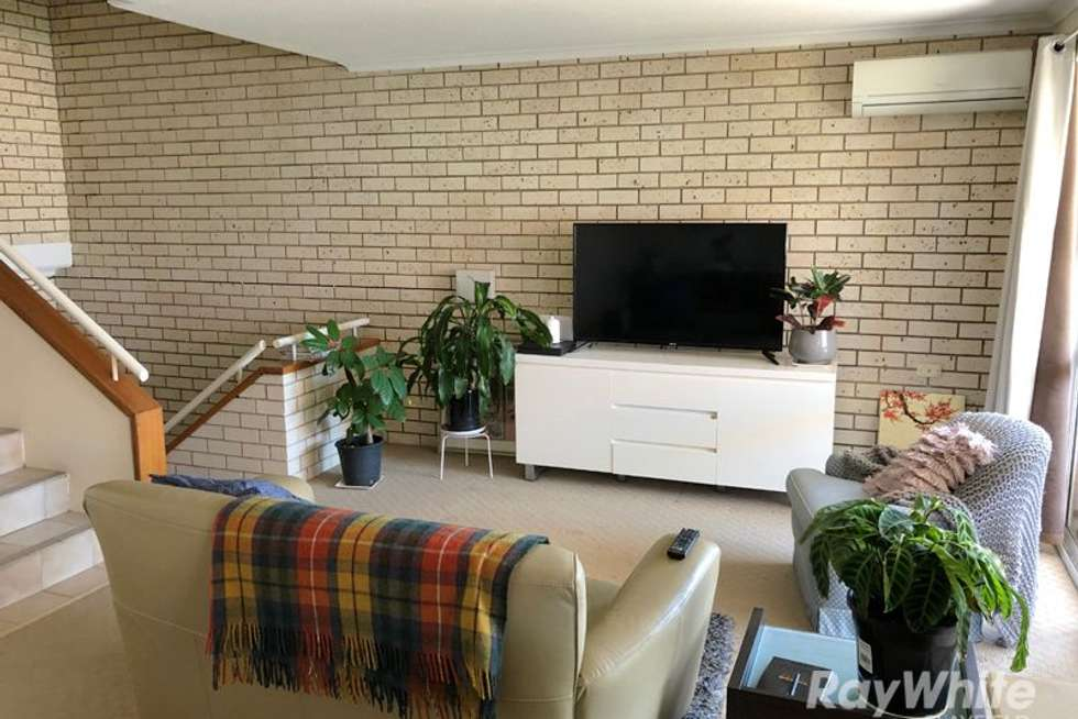 Second view of Homely unit listing, 2/28 Rossiter Parade, Hamilton QLD 4007