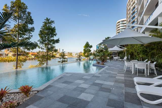 5 Harbour Side Court, Biggera Waters QLD 4216
