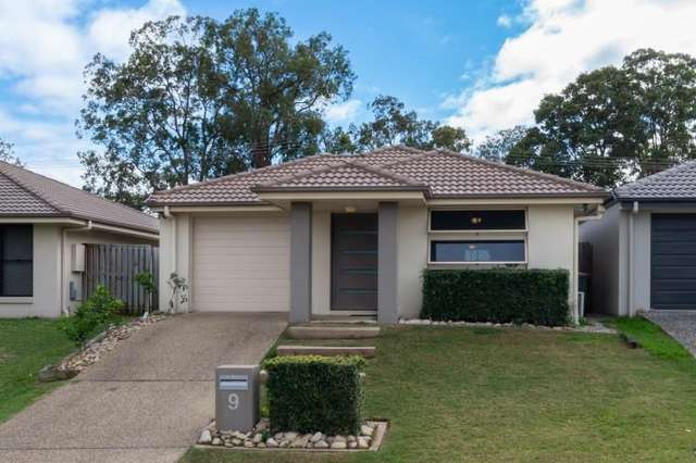 9 Roland Court, Kallangur QLD 4503
