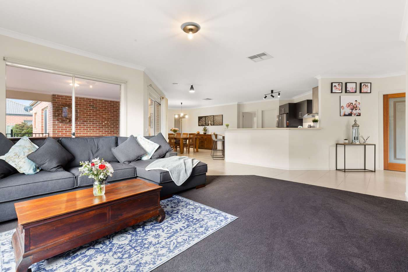 Fifth view of Homely house listing, 8 Charolais Court, Pakenham VIC 3810
