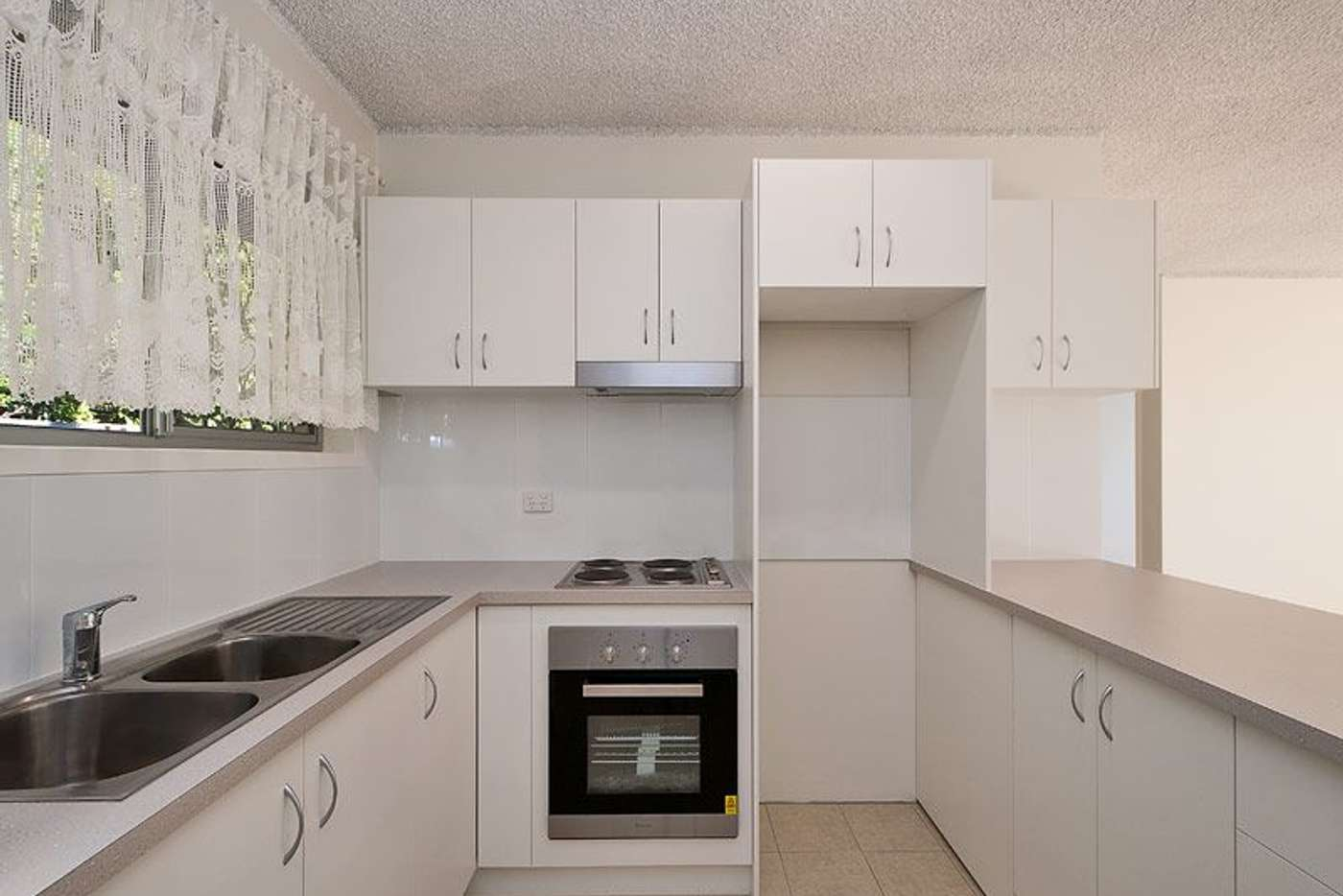 Main view of Homely unit listing, 2/120 Stanhill Drive, Chevron Island QLD 4217