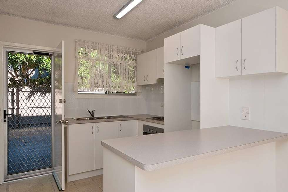 Fourth view of Homely unit listing, 2/120 Stanhill Drive, Chevron Island QLD 4217
