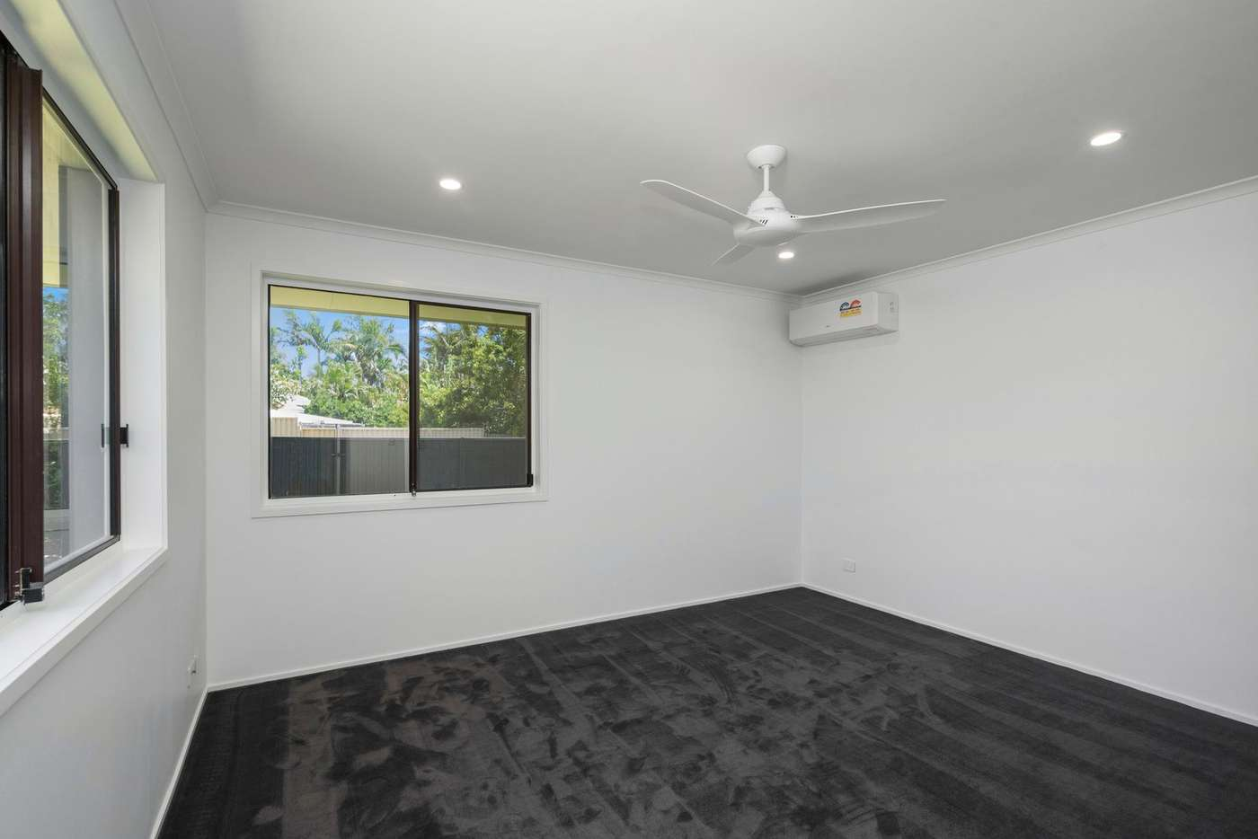 Sixth view of Homely house listing, 1/6 Whitehead Drive, Burleigh Waters QLD 4220