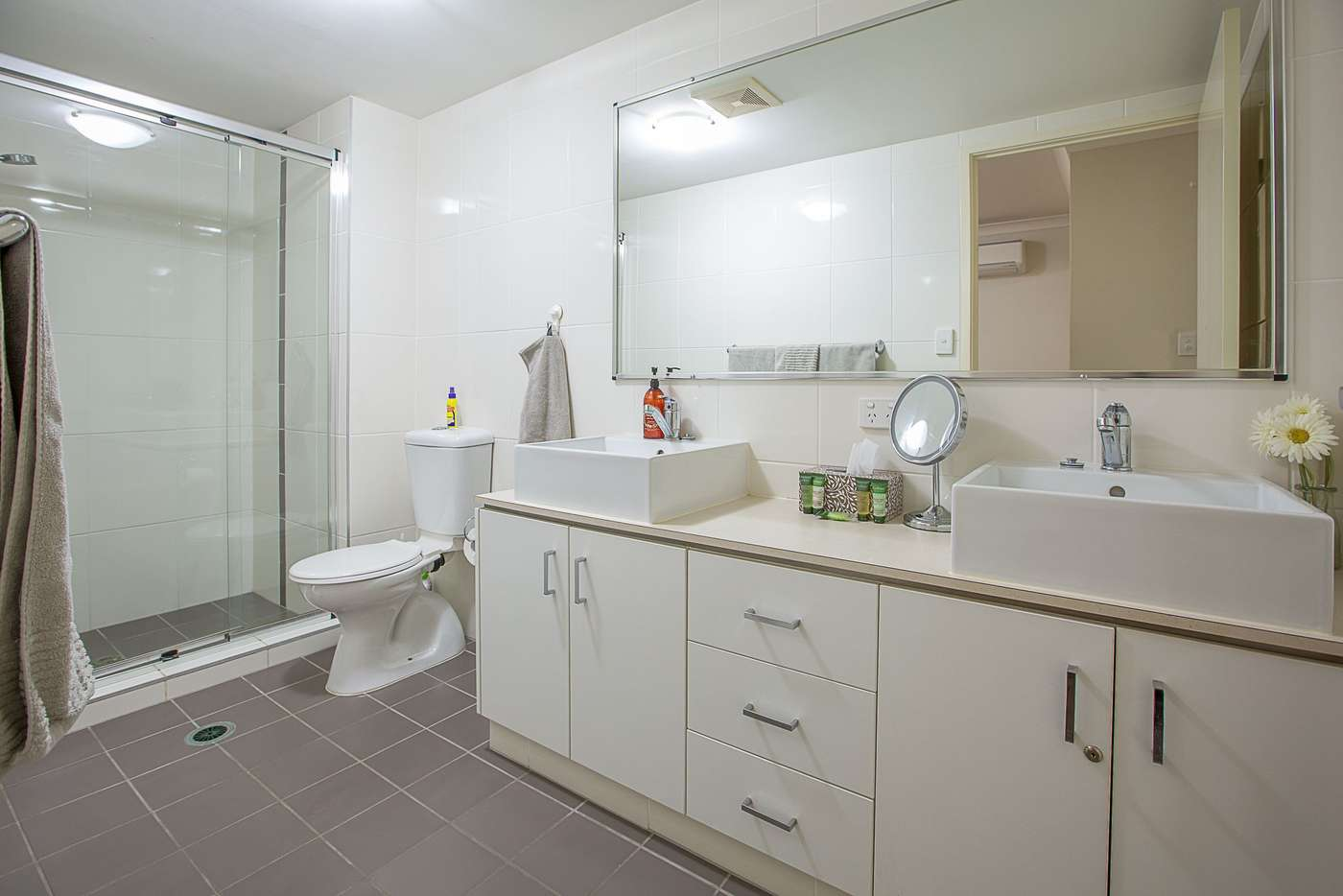 Sixth view of Homely apartment listing, 5/8 Proud Street, Labrador QLD 4215