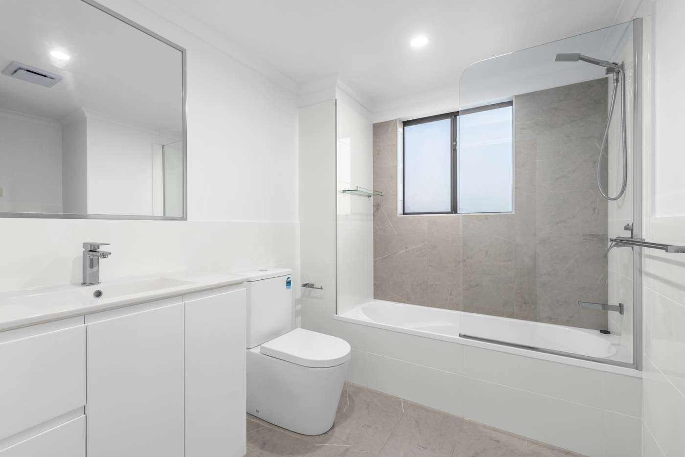 Sixth view of Homely apartment listing, 2/7 Glasgow Street, Zillmere QLD 4034