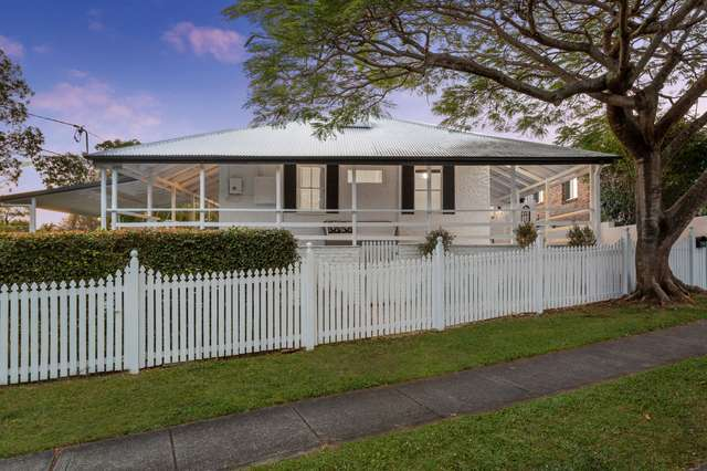 19 Water Street, Southport QLD 4215