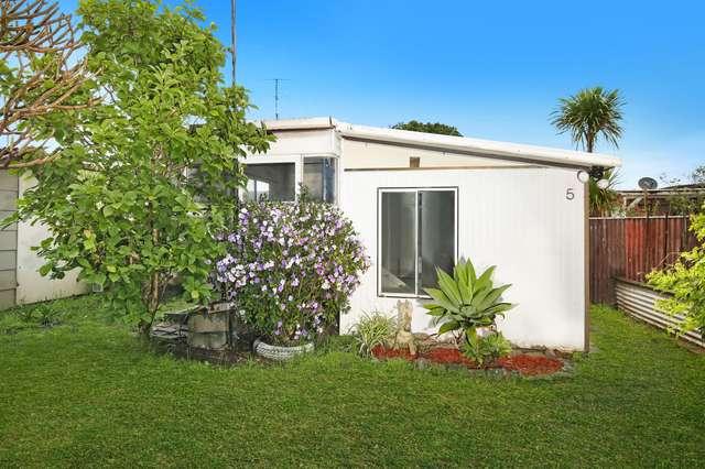 5/4 Woodrow Place, Figtree Gardens Caravan Park, Figtree NSW 2525