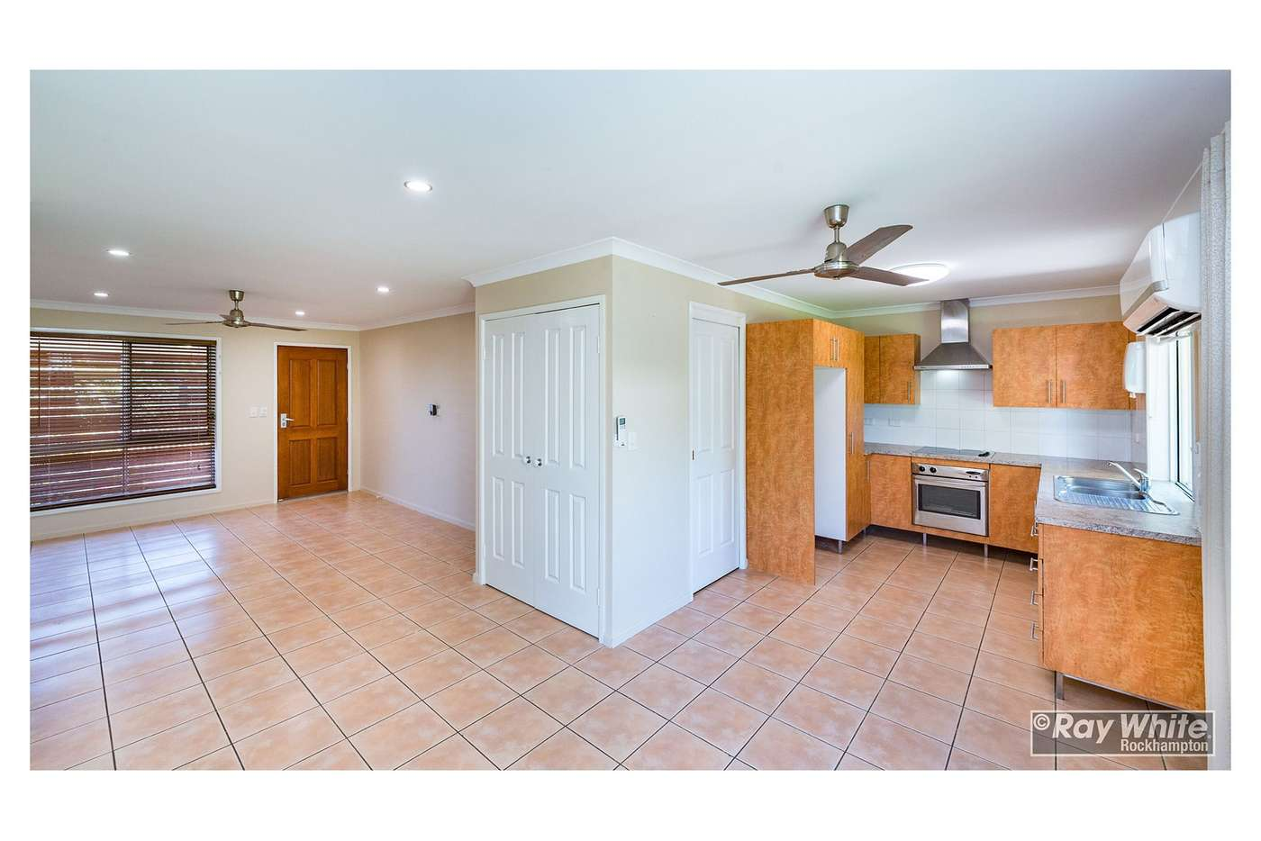 Fifth view of Homely unit listing, 1/576 Norman Road, Norman Gardens QLD 4701