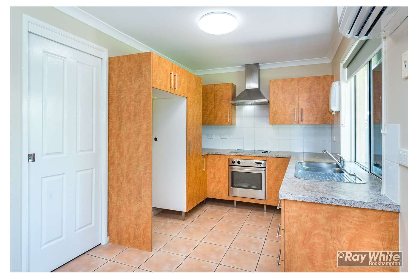 Sixth view of Homely unit listing, 1/576 Norman Road, Norman Gardens QLD 4701
