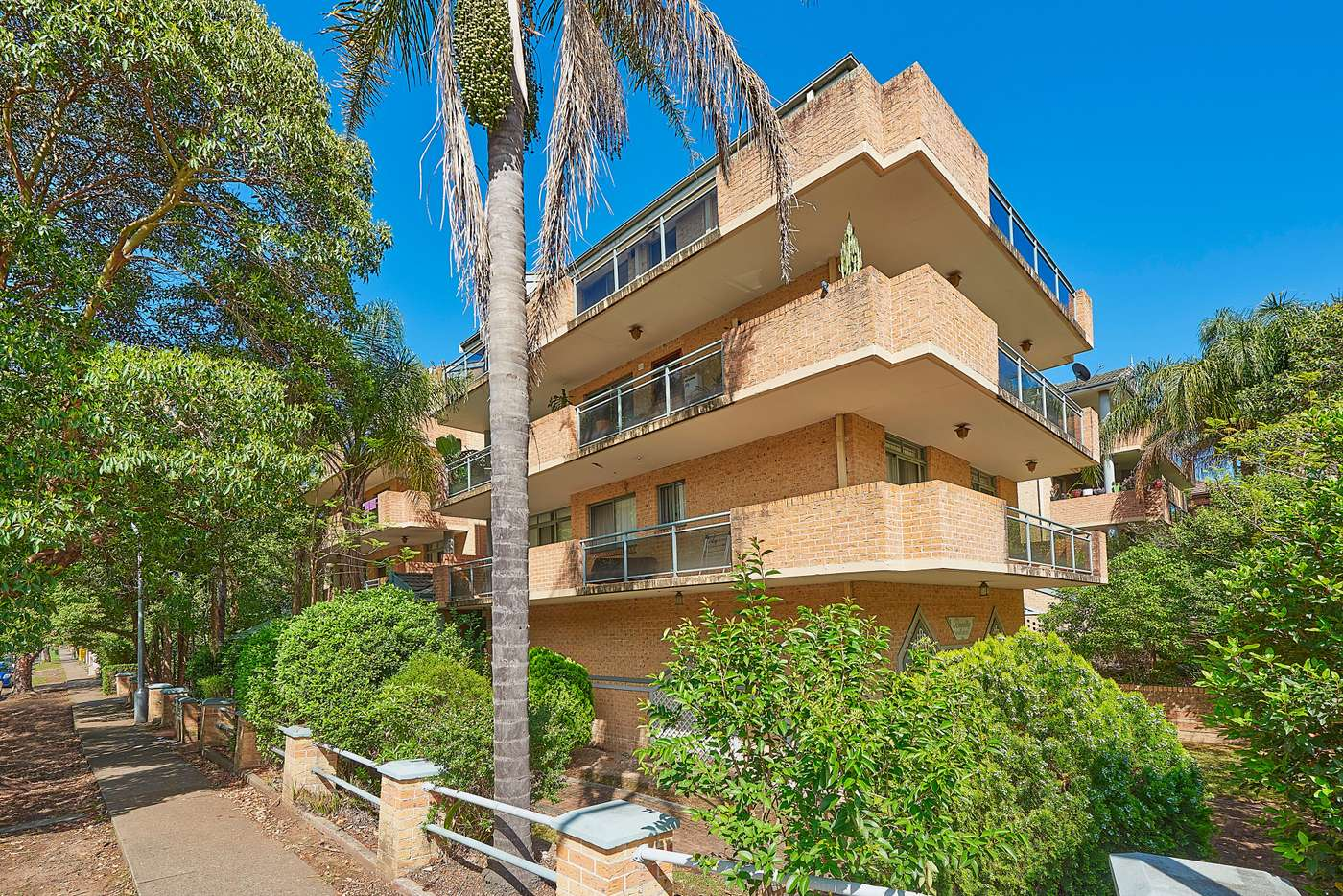 Main view of Homely unit listing, 2/22-26 Queens Road, Westmead NSW 2145