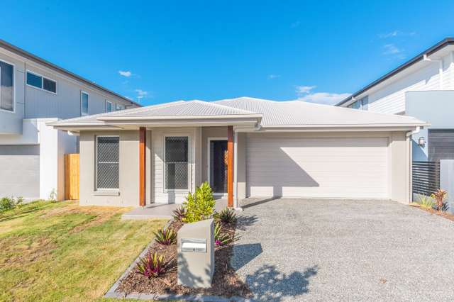 4 Compass Way, Newport QLD 4020