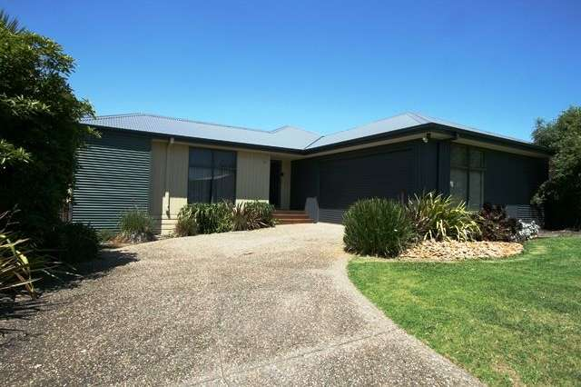 19 Norman Drive, Cowes VIC 3922