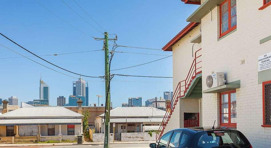 3/3 Brisbane Place