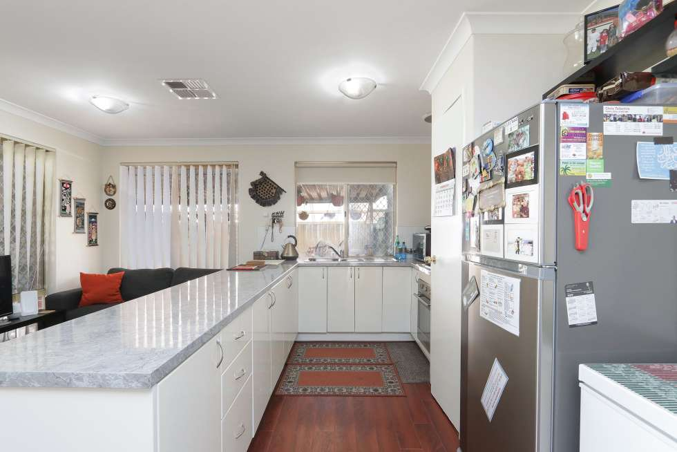 Fifth view of Homely house listing, 10 Jooleen Way, Thornlie WA 6108