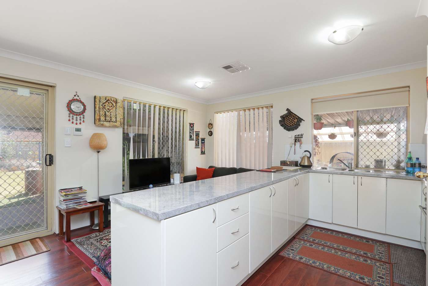 Sixth view of Homely house listing, 10 Jooleen Way, Thornlie WA 6108