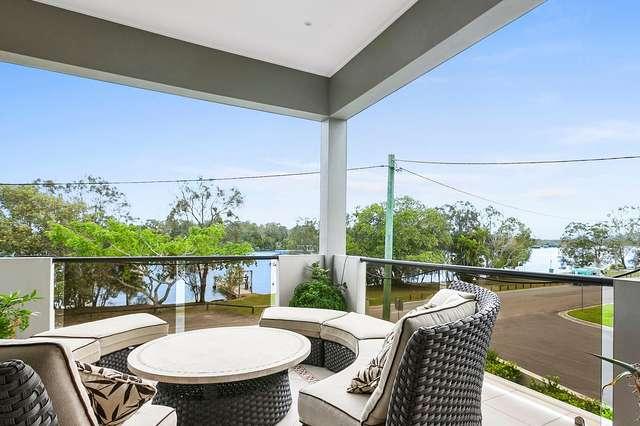 2/11 Hilton Esplanade, Tewantin QLD 4565
