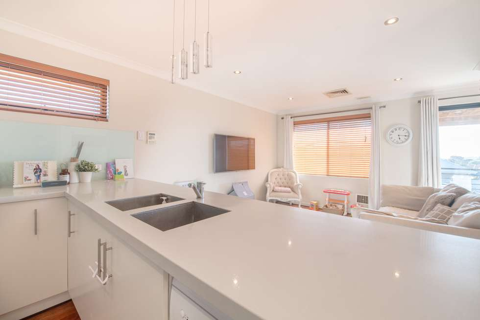 Fourth view of Homely house listing, 14 Seascape View, Yangebup WA 6164