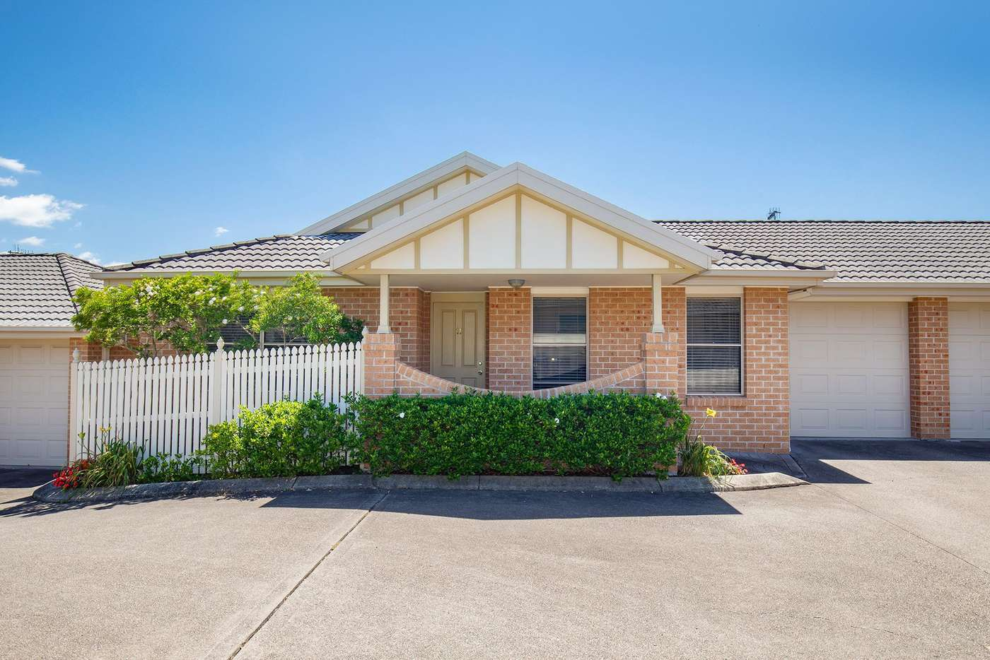 Main view of Homely villa listing, 11/32 Kenibea Avenue, Kahibah NSW 2290
