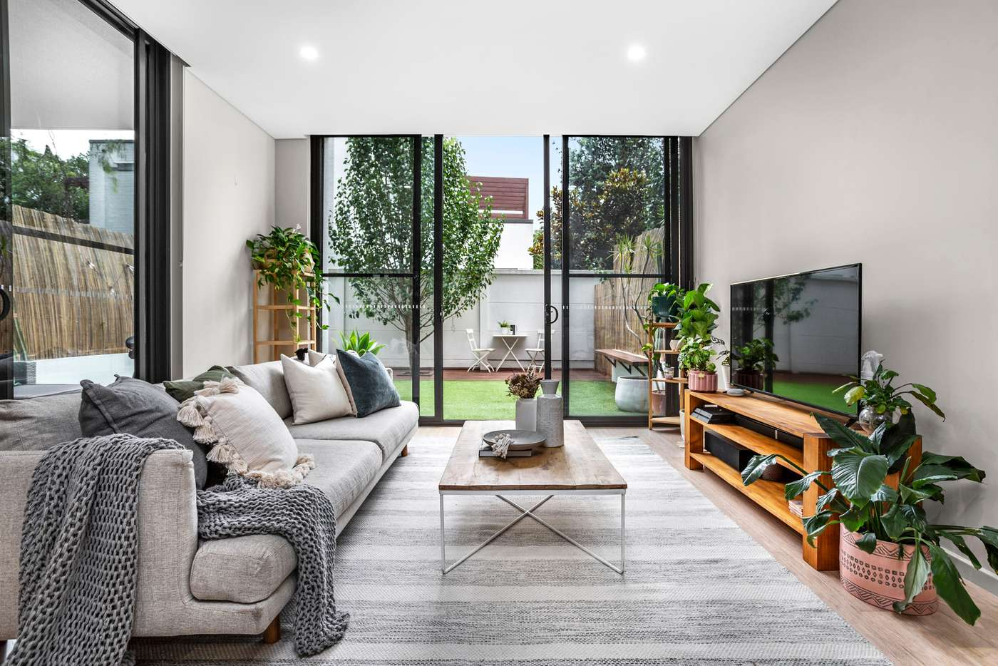 Main view of Homely studio listing, 13/90-92 Bay Street, Botany NSW 2019