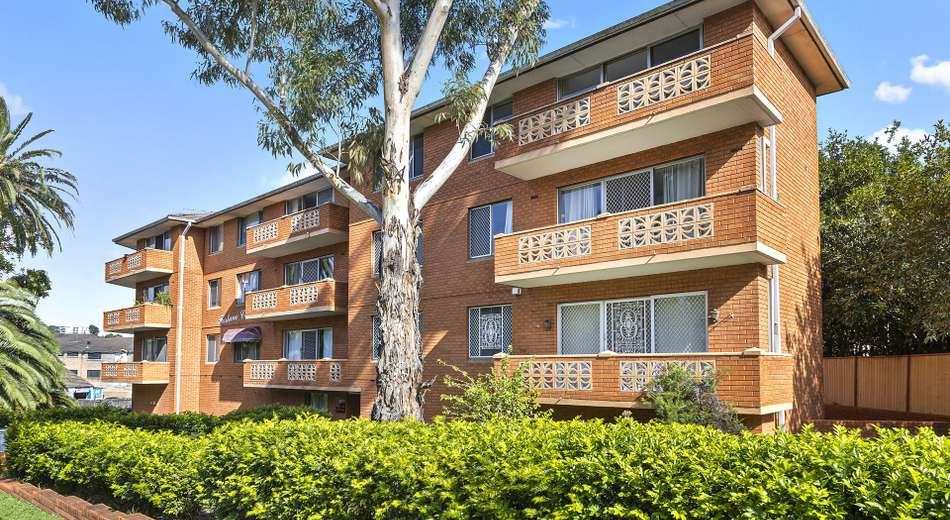 15/409-415 Forest Road