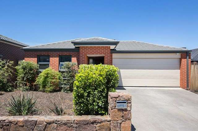 8 Turnstone Street, Doreen VIC 3754