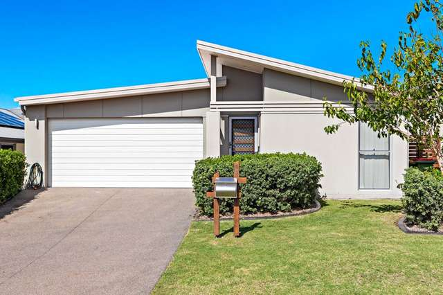 15 Rowe Crescent, Thornlands QLD 4164