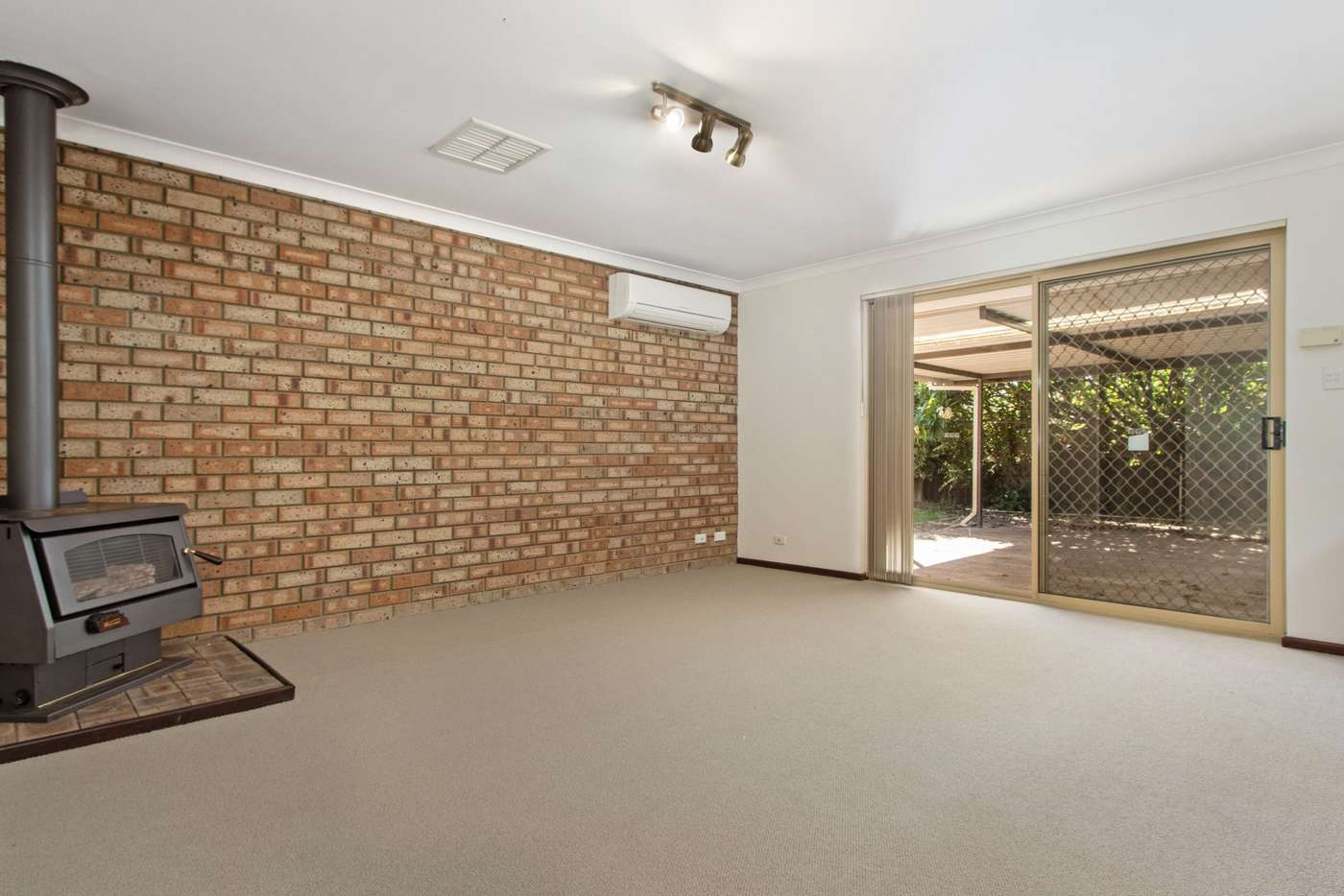 Seventh view of Homely house listing, 10 Arkwell Avenue, Rockingham WA 6168