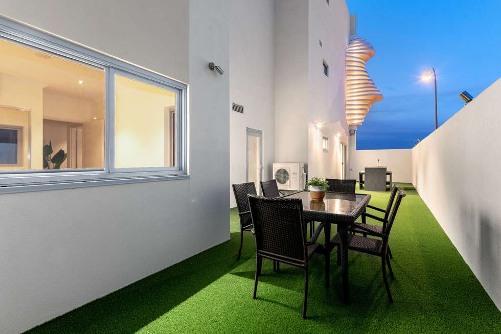 Fourth view of Homely apartment listing, 2/17 Wickham Street, East Perth WA 6004