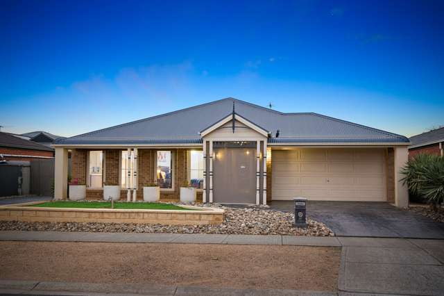 27 Clarence Street, Manor Lakes VIC 3024