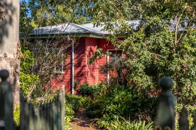 83 MacKenzie Street, Mount Lofty QLD 4350