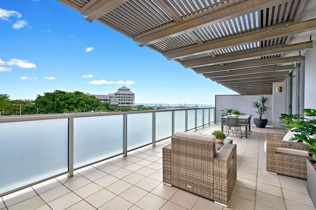 8/1 Marlin Parade, Cairns City QLD 4870