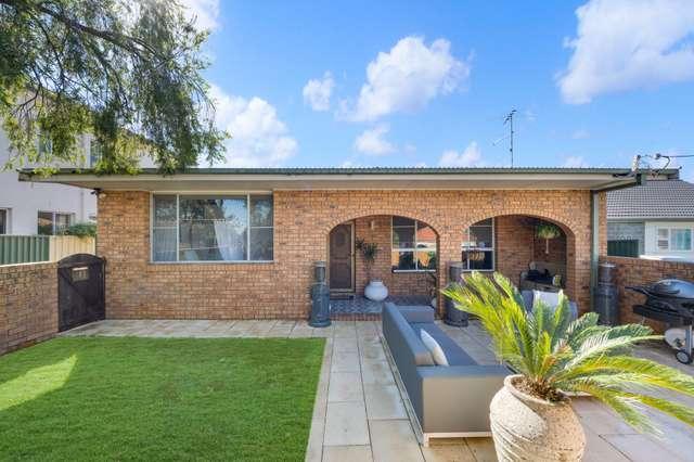 2/8 Bradbury Avenue, Campbelltown NSW 2560