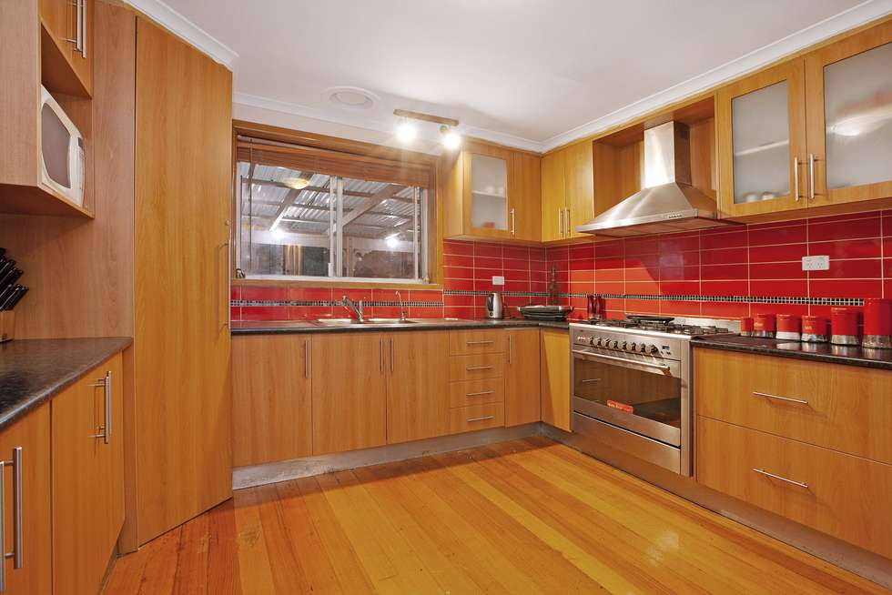 Second view of Homely house listing, 5 Walden Court, Bundoora VIC 3083