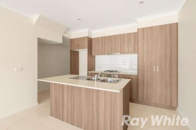 13 Courthouse Walk, Doreen VIC 3754
