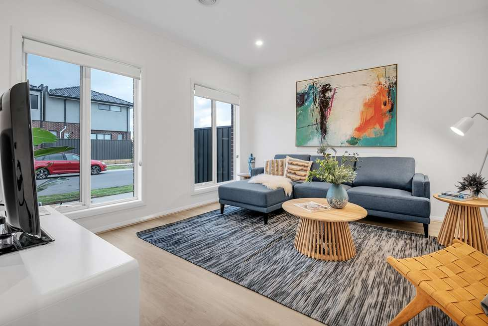 Third view of Homely townhouse listing, 18 Adventure Crescent, Roxburgh Park VIC 3064
