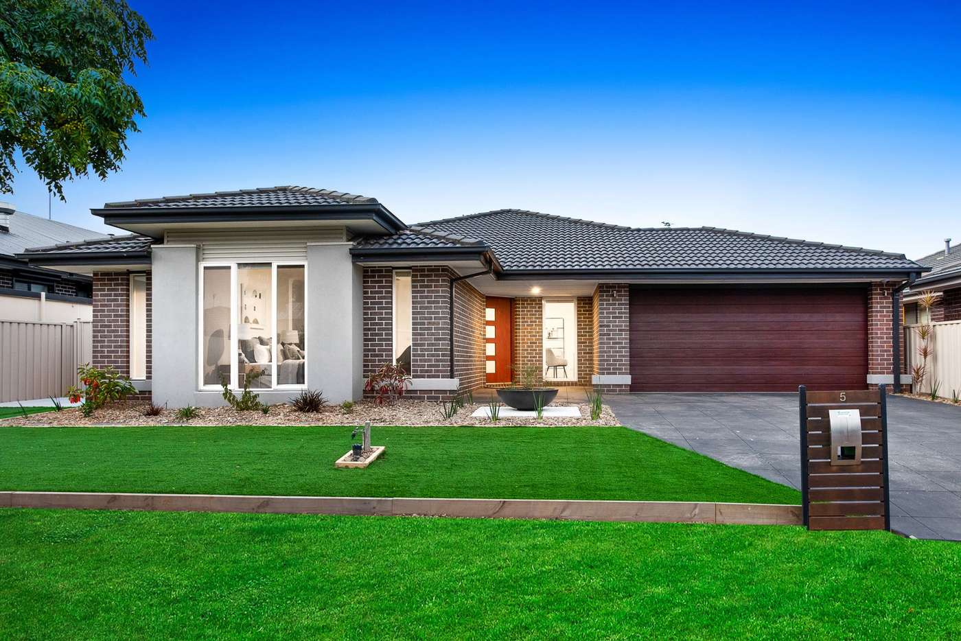 Main view of Homely house listing, 5 Nevis Place, Taylors Hill VIC 3037