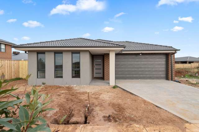 3 Tributary Way, Weir Views VIC 3338