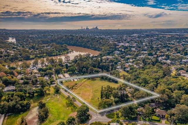 140 Cliveden Avenue, Corinda QLD 4075