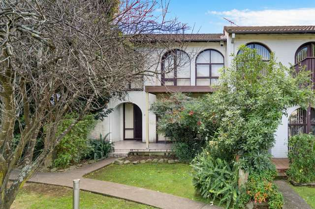 2/6-10 Clifford Crescent, Ingleburn NSW 2565