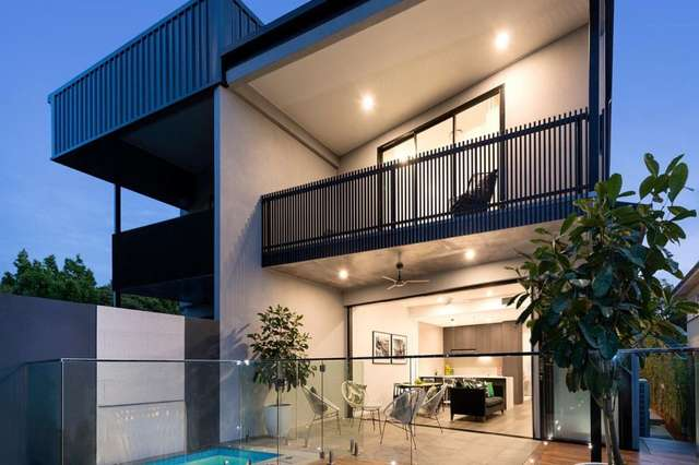 24A Curlewis Street, Holland Park West QLD 4121