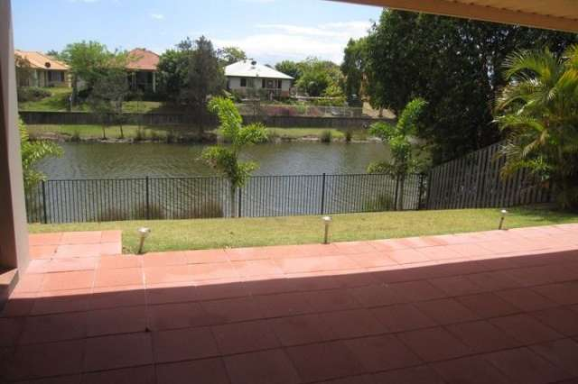 33 Gardendale Crescent, Burleigh Waters QLD 4220