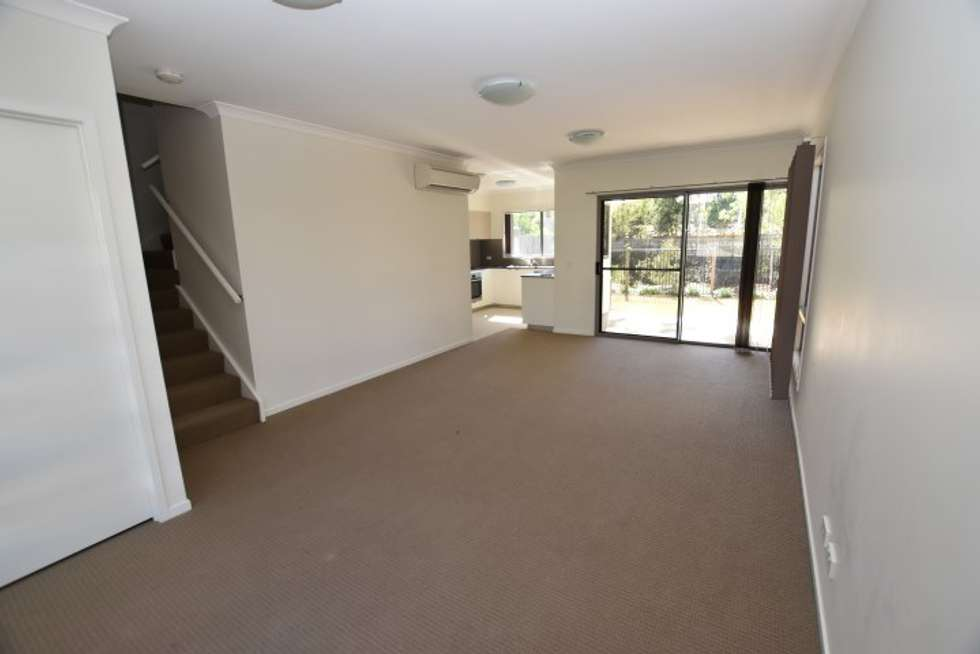 Fifth view of Homely unit listing, 31/2 Ringuet Close, Glen Eden QLD 4680