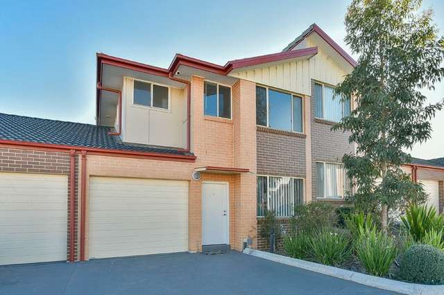 8/221a Waterworth Drive, Mount Annan NSW 2567