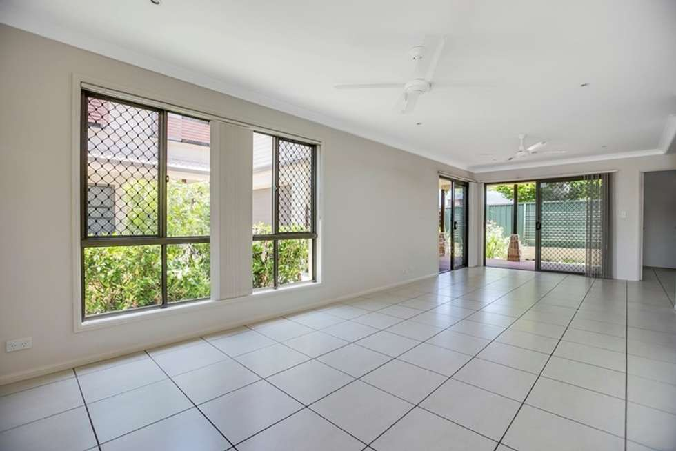 Second view of Homely townhouse listing, 2/118 Long Street, Cleveland QLD 4163