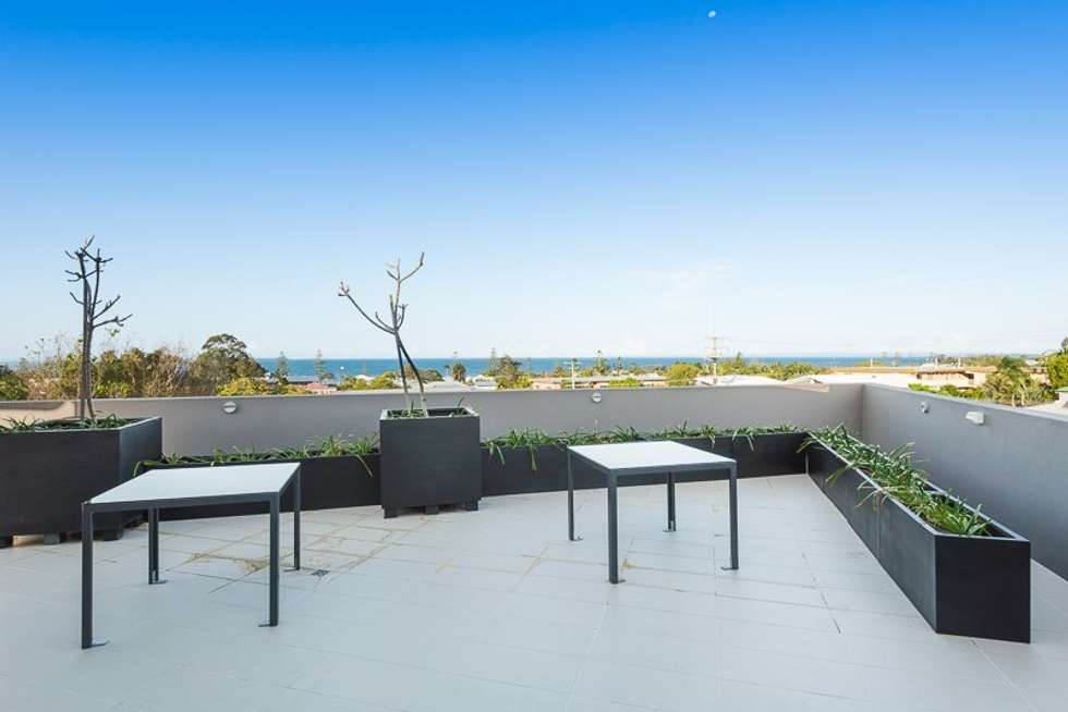 Second view of Homely apartment listing, 12/22 Bay Terrace, Wynnum QLD 4178