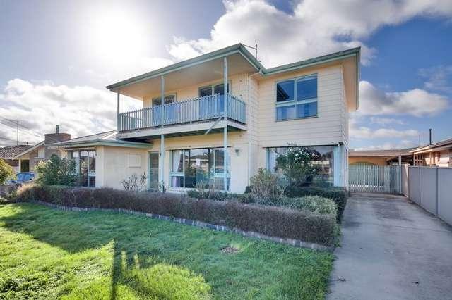 56 Grandview Grove, Wendouree VIC 3355
