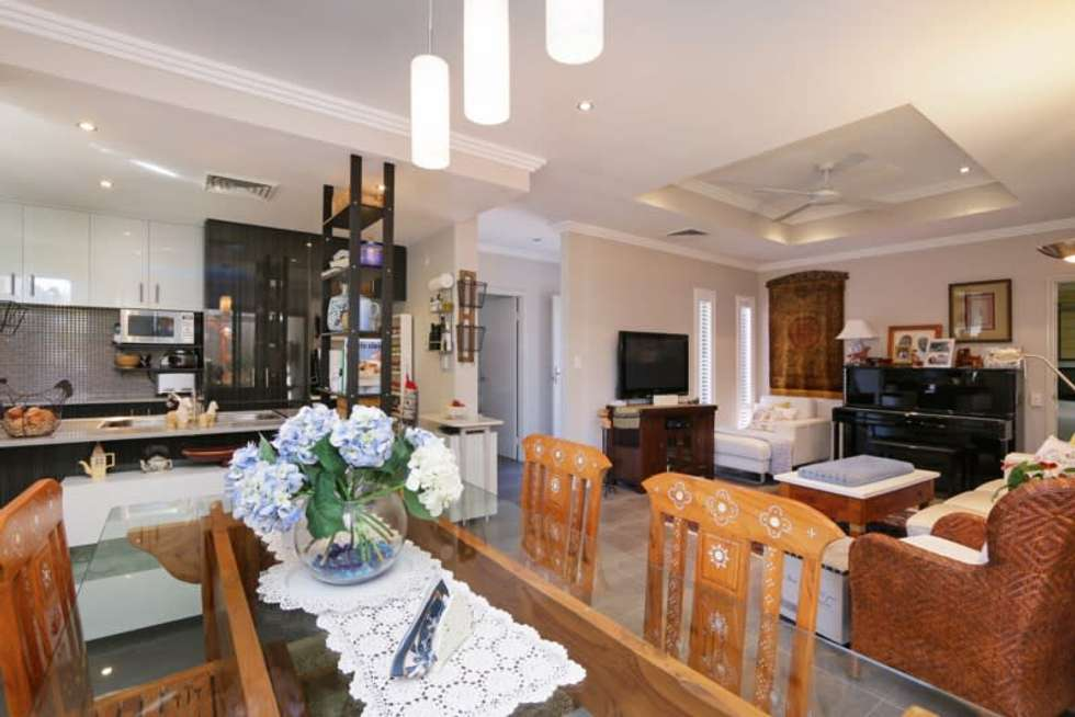 Second view of Homely house listing, 7/8 Wanarie View, Beeliar WA 6164